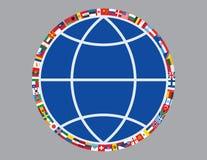 Indicateurs autour de signe de globe Photographie stock libre de droits