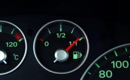 Indicatore di combustibile e del cruscotto fotografie stock libere da diritti