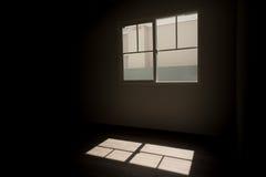 Indicatore luminoso dalle finestre Fotografia Stock