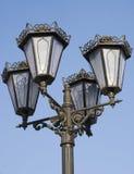 Indicatore luminoso decorativo contro il cielo blu Fotografia Stock