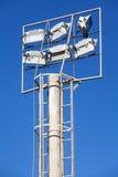 Indicatore luminoso del riflettore con cielo blu Fotografia Stock