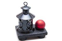 Indicatore luminoso del vento con la sfera dell'albero di Natale Fotografia Stock Libera da Diritti