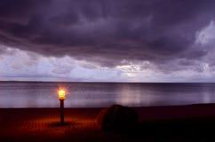 Indicatore luminoso di primo mattino sul litorale dei ricorsi Fotografia Stock
