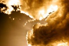 Indicatore luminoso e nubi Fotografia Stock Libera da Diritti