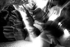 Indicatore luminoso nella caverna Fotografia Stock Libera da Diritti