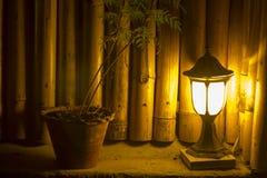 Indicatore luminoso nello scuro fotografie stock libere da diritti