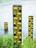 Indicatori del livello dell'acqua Fotografie Stock