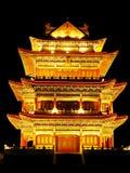 Indicatori luminosi antichi di notte di architettura Immagini Stock Libere da Diritti