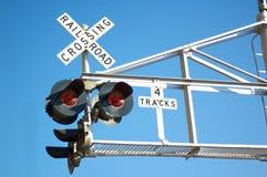 Indicatori luminosi del segno dell'incrocio di ferrovia Fotografie Stock Libere da Diritti