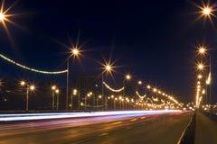 Indicatori luminosi della città di notte Fotografie Stock Libere da Diritti