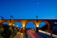 indicatori luminosi della coda del viadotto di Stockport Immagini Stock