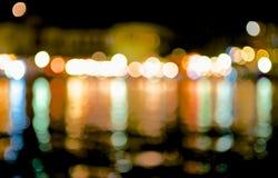 Indicatori luminosi della sfuocatura della città di notte. Immagini Stock Libere da Diritti