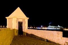 Indicatori luminosi e torretta della nave da crociera della città di notte di Ibiza Fotografia Stock Libera da Diritti
