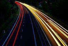 Indicatori luminosi fuori alla notte Fotografie Stock