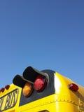 Indicatori luminosi sullo scuolabus Fotografie Stock Libere da Diritti