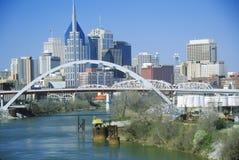 Indichi il capitol Nashville, orizzonte di TN con il fiume Cumberland in priorità alta Fotografia Stock Libera da Diritti