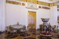 Indichi il museo russo, l'interno del corridoio bianco della colonna, immagine stock libera da diritti