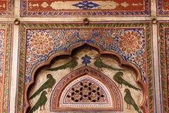 Indien, Dekoration auf der Haveli-Wand lizenzfreie stockfotos