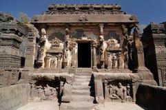 Indien Ellora Buddhist grotta royaltyfria foton