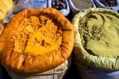 Indien faisant cuire des épices Images libres de droits
