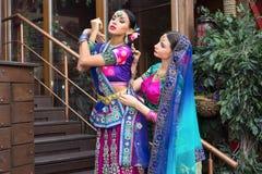 Indien flickor royaltyfria bilder