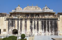 Indien jaipur Bernsteinfarbiges Fort am sonnigen Tag stockbild