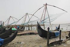 Indien strand nära en port Fotografering för Bildbyråer