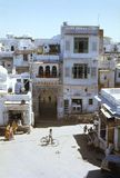 1977 Indien Udaipur Straßenbild nahe dem Stadt-Palast Stockfotos