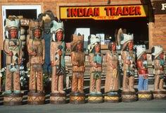 Indiens en bois de devanture de magasin Photos libres de droits