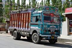 Indier dekorerad lastbil Arkivfoton