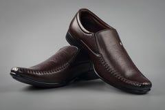 Indier gjord sko för man` s arkivbilder