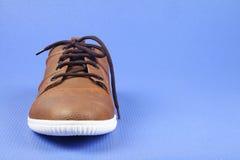 Indier gjorda skor för man` s arkivbild