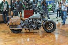 Indiern spanar motorcykeln 2015 Royaltyfri Foto