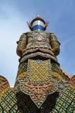 Indietro del gigante tailandese immagine stock
