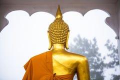 Indietro della statua del Buddha fotografie stock