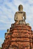 Indietro di un Buddha nel cielo Immagine Stock Libera da Diritti