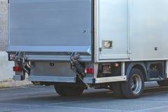 Indietro di un camion grigio del carico Fotografia Stock Libera da Diritti