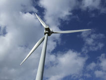 Indietro di un generatore eolico Fotografie Stock