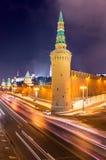 Indikatoren nahe der Kreml-Wand und rotem Quadrat heute Abend Stockfotos