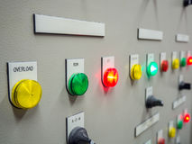 Indikatorljus på den elektriska kontrollbordet Royaltyfria Foton