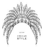 Indio del nativo americano coloreado principal Cucaracha roja y negra Tocado indio de la pluma del águila Imagen de archivo libre de regalías