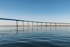 Indique a ponte da baía da rota 75/Coronado que mede San Diego Bay Fotos de Stock