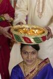 Indisch Hindoes symbolisch ritueel in huwelijk. Stock Foto's