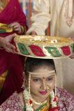 Indisch Hindoes symbolisch ritueel in huwelijk. Stock Afbeeldingen