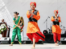 Indisch kind in traditionele kostuums Stock Foto's