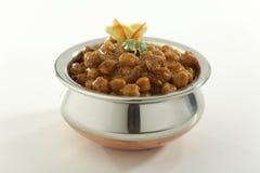 Indisch Voedsel Chana Masala in roestvrij staalpot royalty-vrije stock foto's