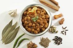 Indisch Voedsel Chana Masala in roestvrij staalpot w stock fotografie