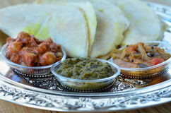 Indisch voedsel, Masala Dosa met Sambar en Channa Masala Stock Foto's