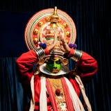 Indische acteur die de dansdrama uitvoeren van tradititionalkathakali Royalty-vrije Stock Foto