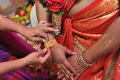 Indische Armbandceremonie Stock Foto